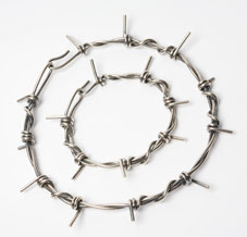 medium-barb-wire-bracelet-s